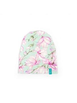 Titot kepurė su magnolijomis. Spalva žalia/violetinė