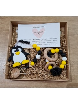Šponkės rinkinys Damutei. Čiulptuko laikiklis su kramtuku (pingvinas) + kramtukas apyrankė