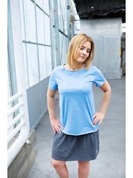 Tuss moteriški marškinėliai trumpomis rankovėmis . Spalva žydra
