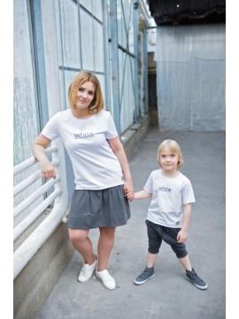 Tuss moteriški marškinėliai trumpomis rankovėmis . Spalva balta