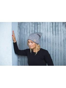 Tuss moteriška kepurė . Spalva pilka