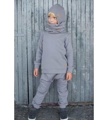 Tuss vaikiškos pašiltintos kelnės . Spalva pilka