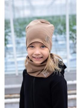 Tuss vaikiškas komplektukas (kepuraitė + šalikėlis). Spalva ruda
